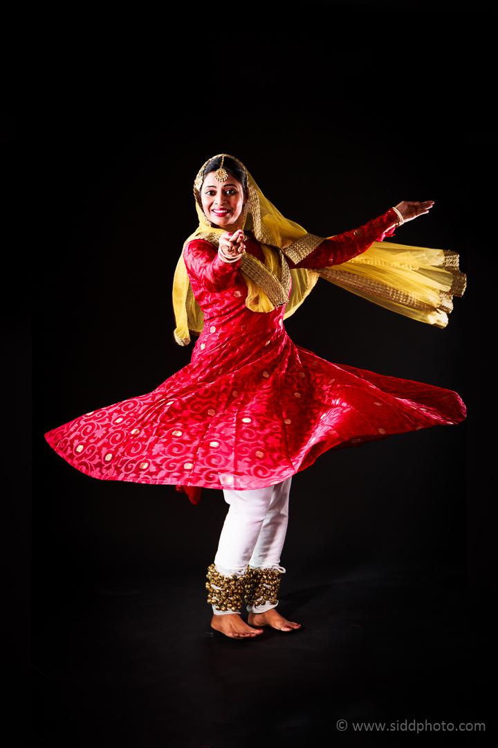 2012-04-21 - Antara Dutta Katthak Photoshoot - EO5C0003-04