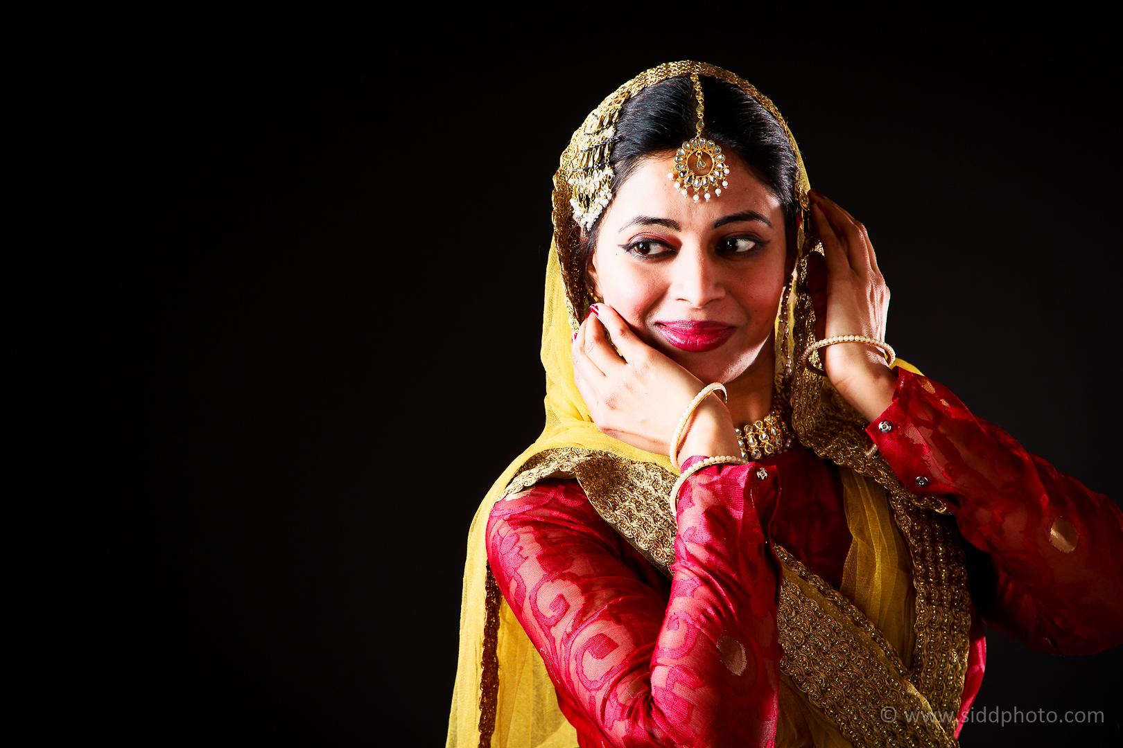 2012-04-21 - Antara Dutta Katthak Photoshoot - EO5C0046-10