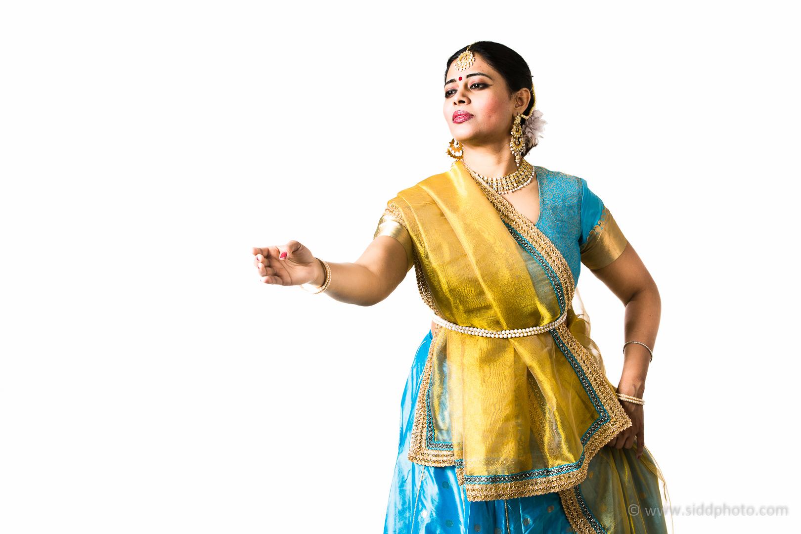 2012-04-21 - Antara Dutta Katthak Photoshoot - EO5C9783-01