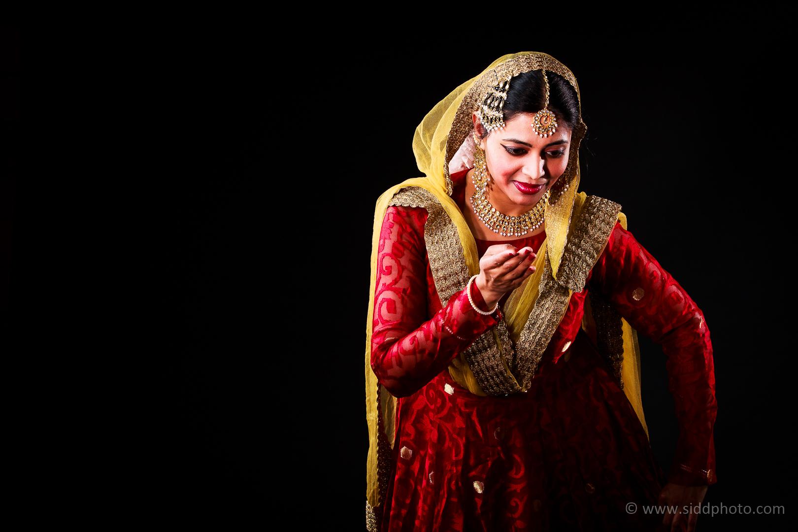 2012-04-21 - Antara Dutta Katthak Photoshoot - EO5C9835-01