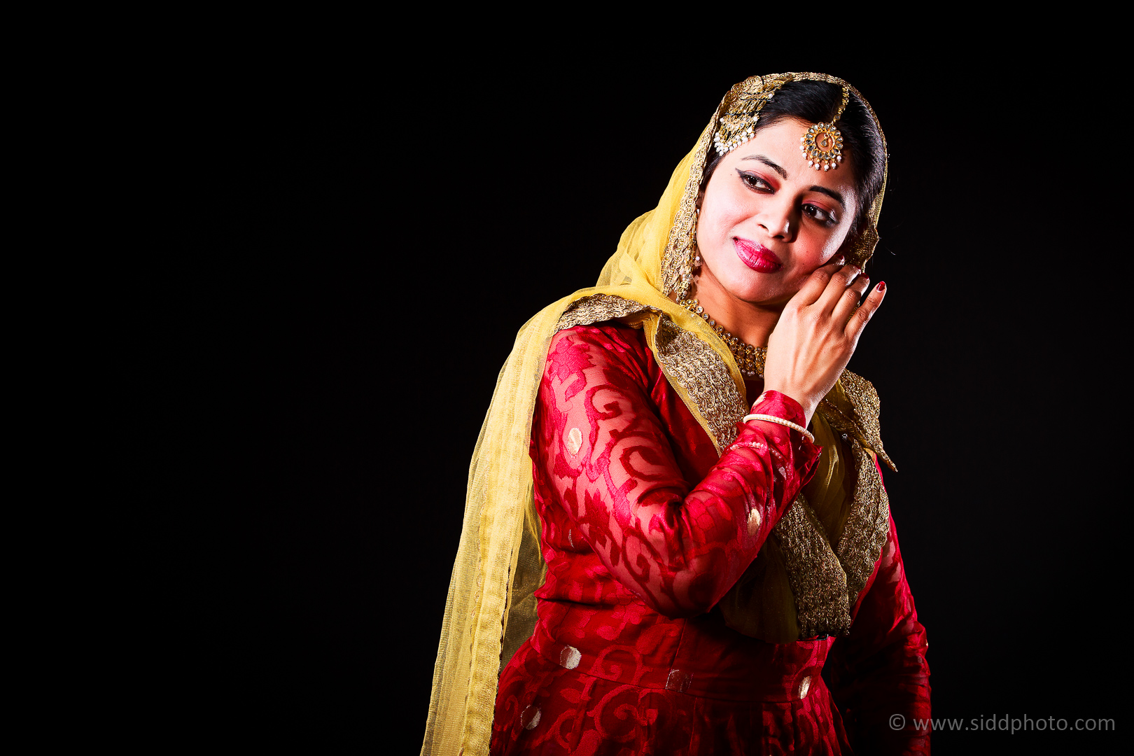 2012-04-21 - Antara Dutta Katthak Photoshoot - EO5C9836-02