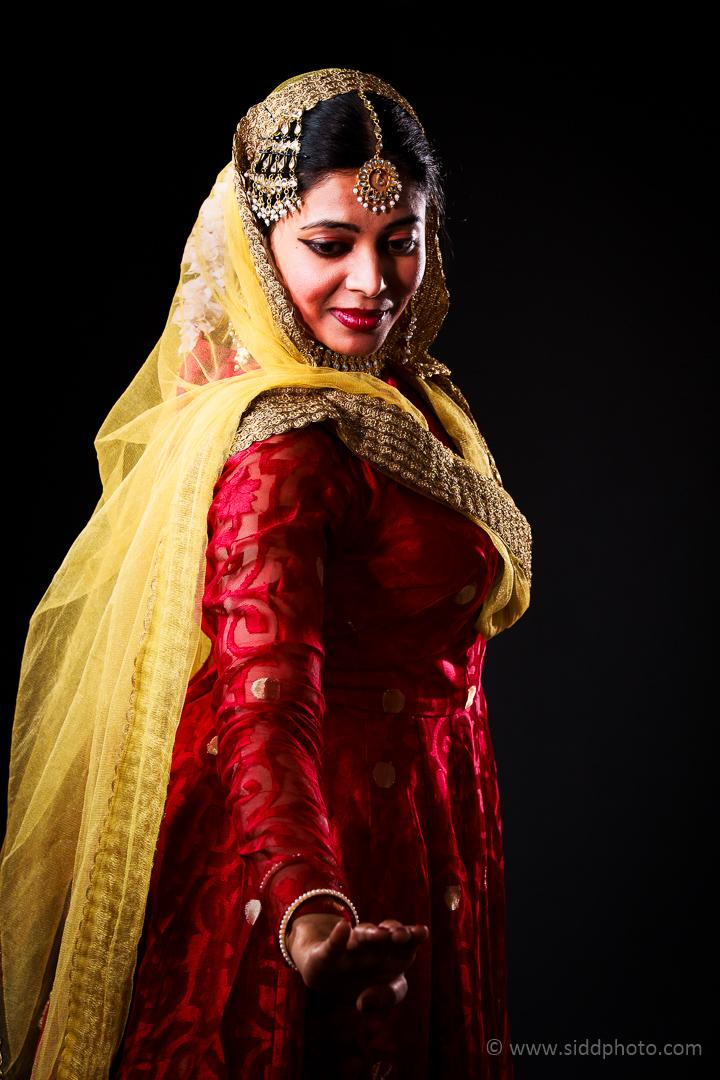 2012-04-21 - Antara Dutta Katthak Photoshoot - EO5C9840-01