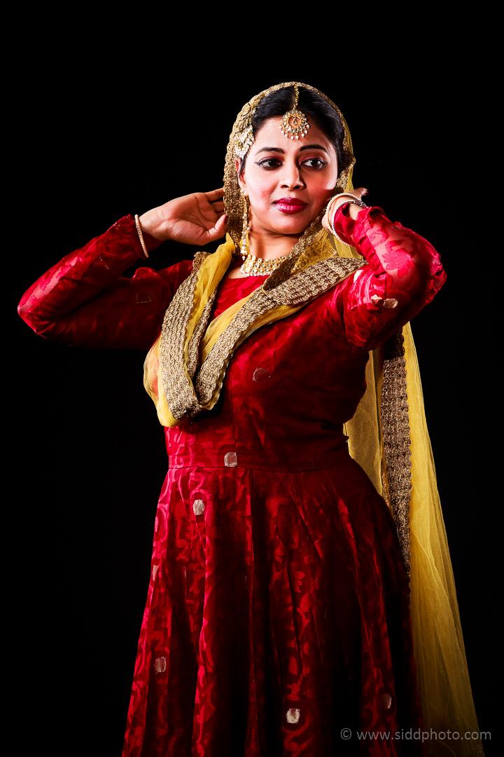 2012-04-21 - Antara Dutta Katthak Photoshoot - EO5C9847-04