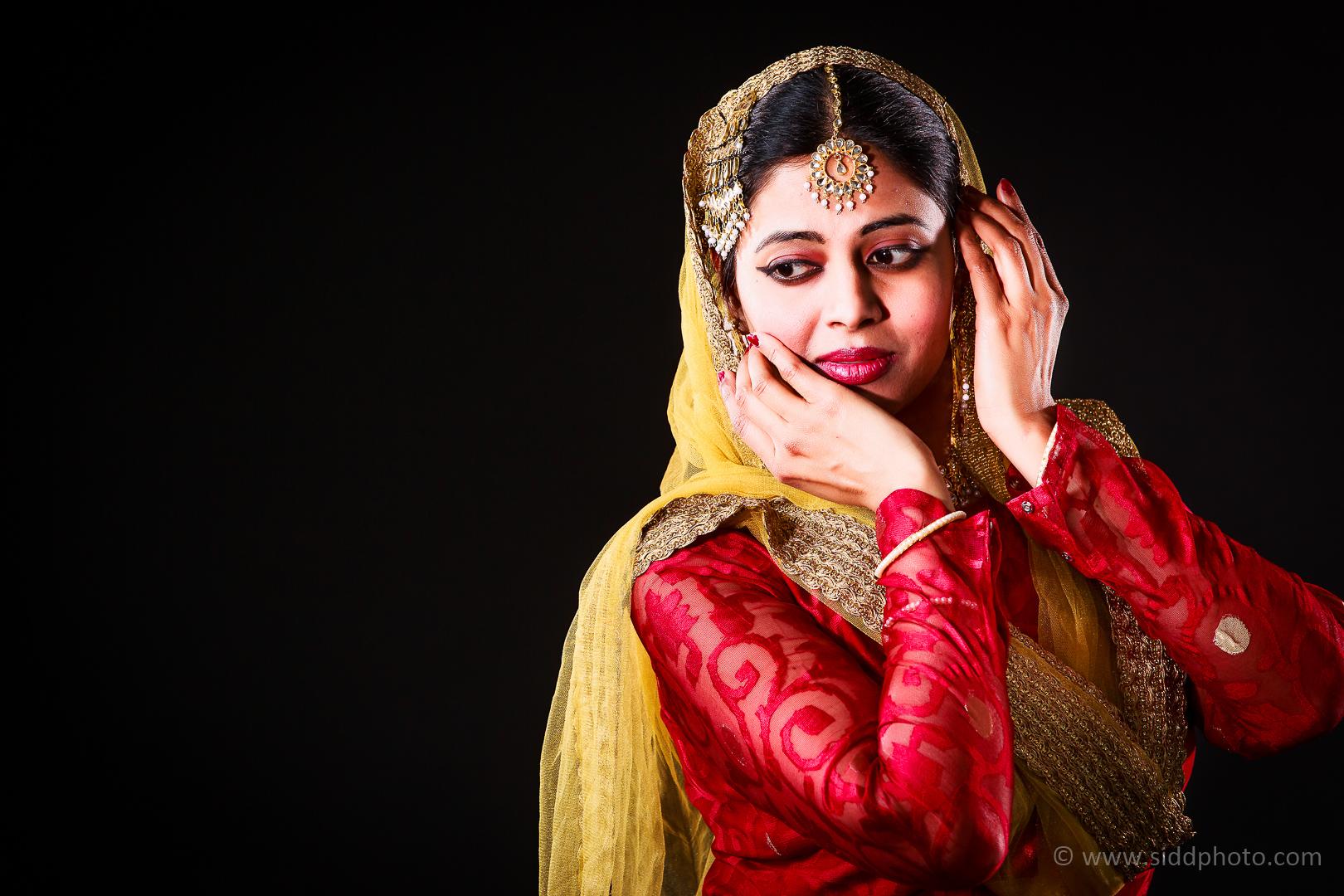 2012-04-21 - Antara Dutta Katthak Photoshoot - EO5C9849-01