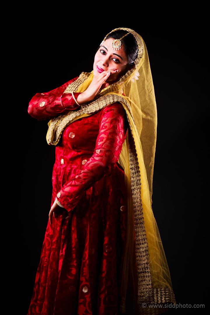 2012-04-21 - Antara Dutta Katthak Photoshoot - EO5C9858-06