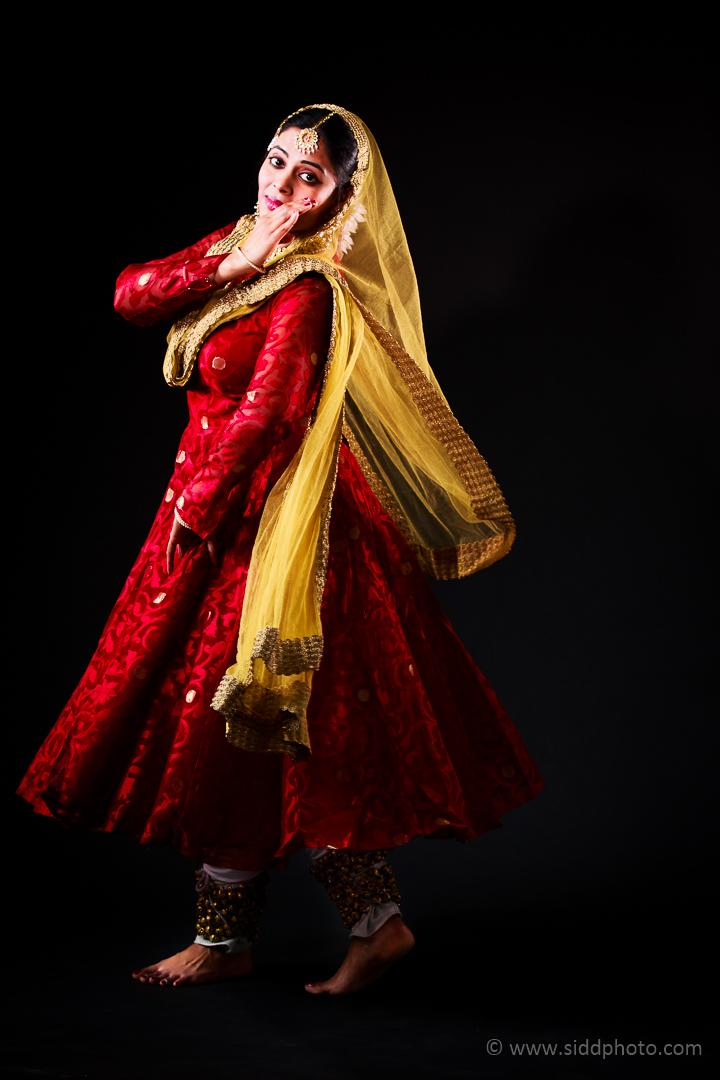 2012-04-21 - Antara Dutta Katthak Photoshoot - EO5C9861-07