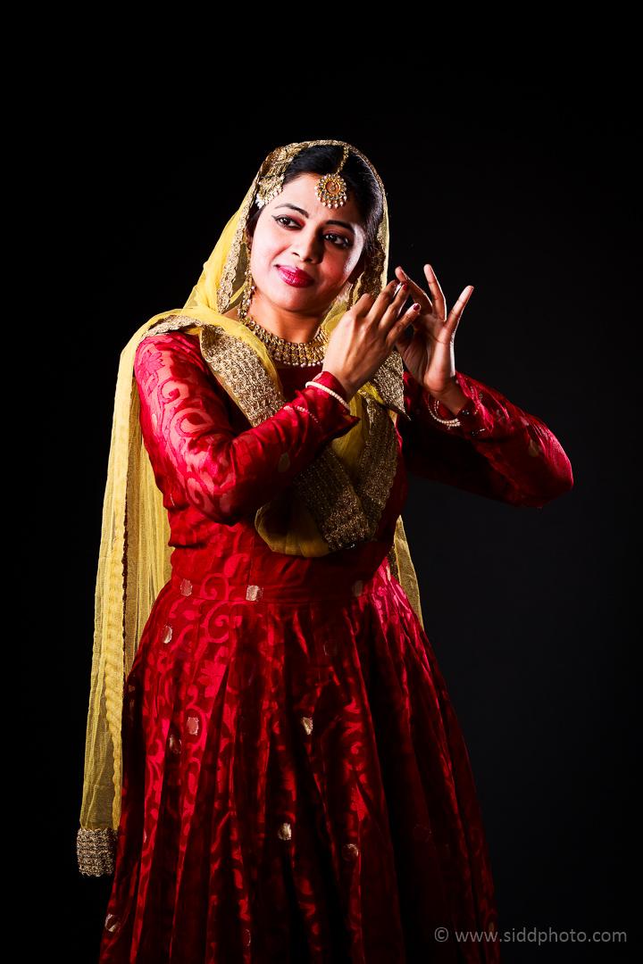 2012-04-21 - Antara Dutta Katthak Photoshoot - EO5C9864-08