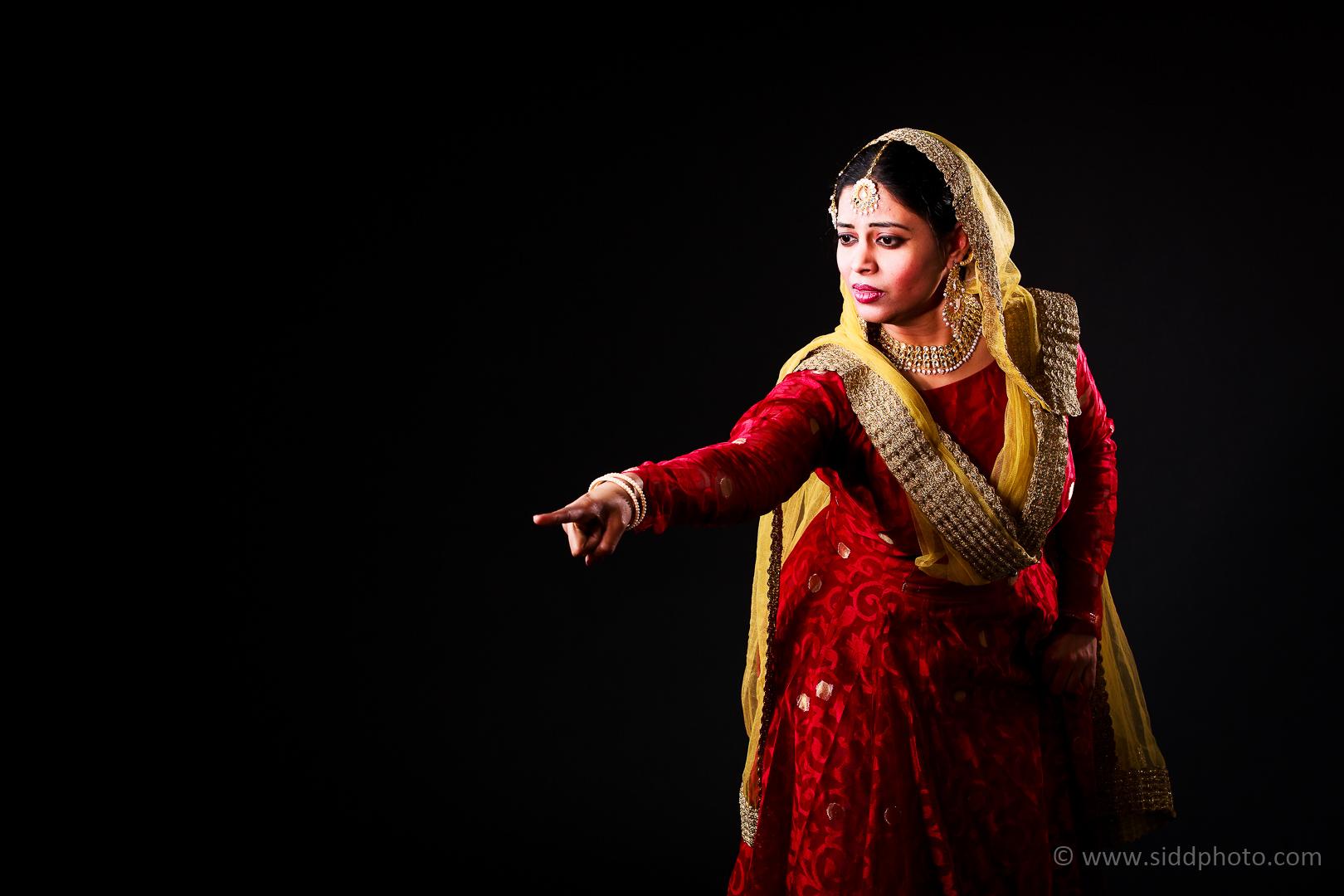 2012-04-21 - Antara Dutta Katthak Photoshoot - EO5C9900-10