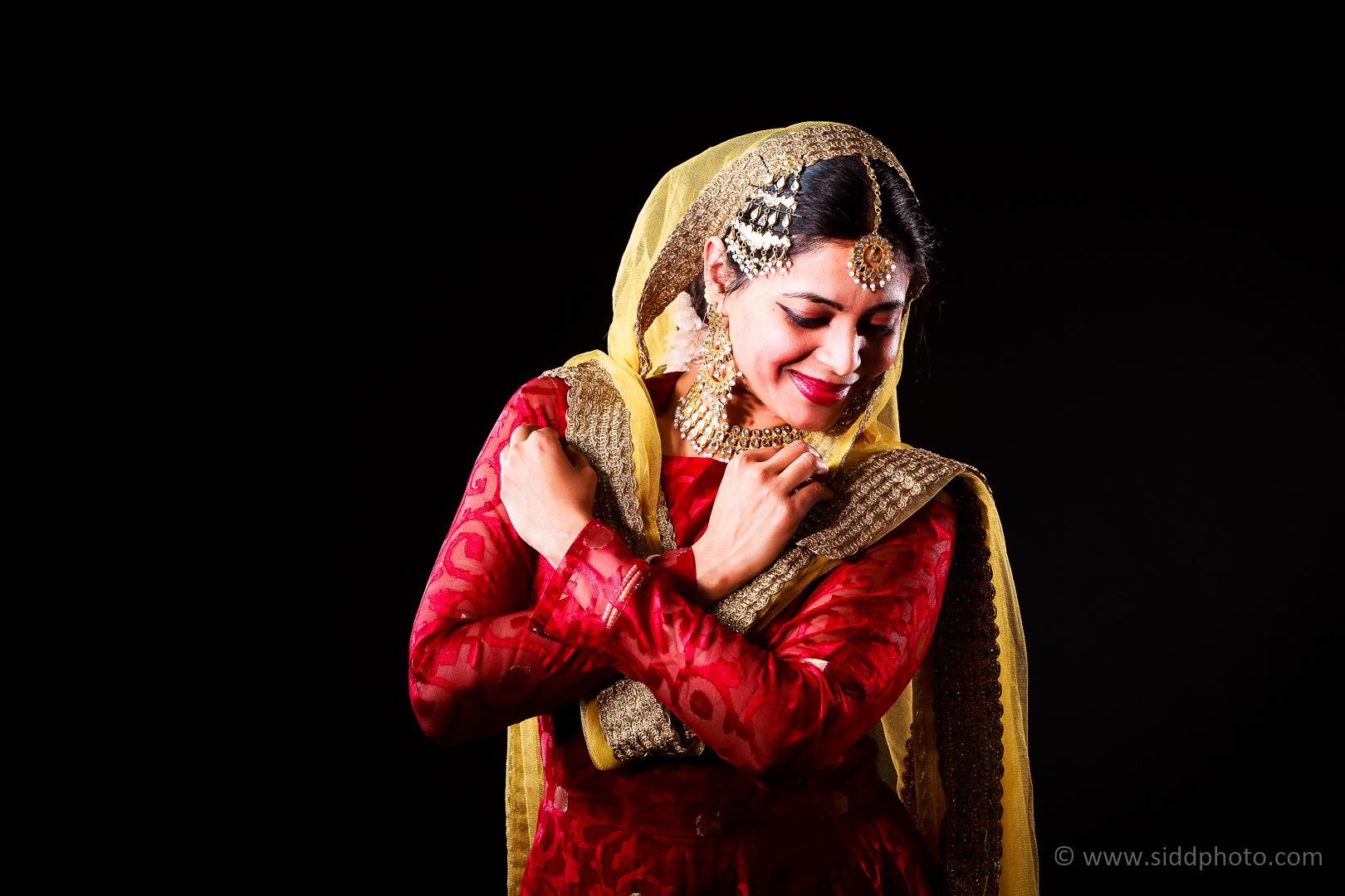 2012-04-21 - Antara Dutta Katthak Photoshoot - EO5C9950-16
