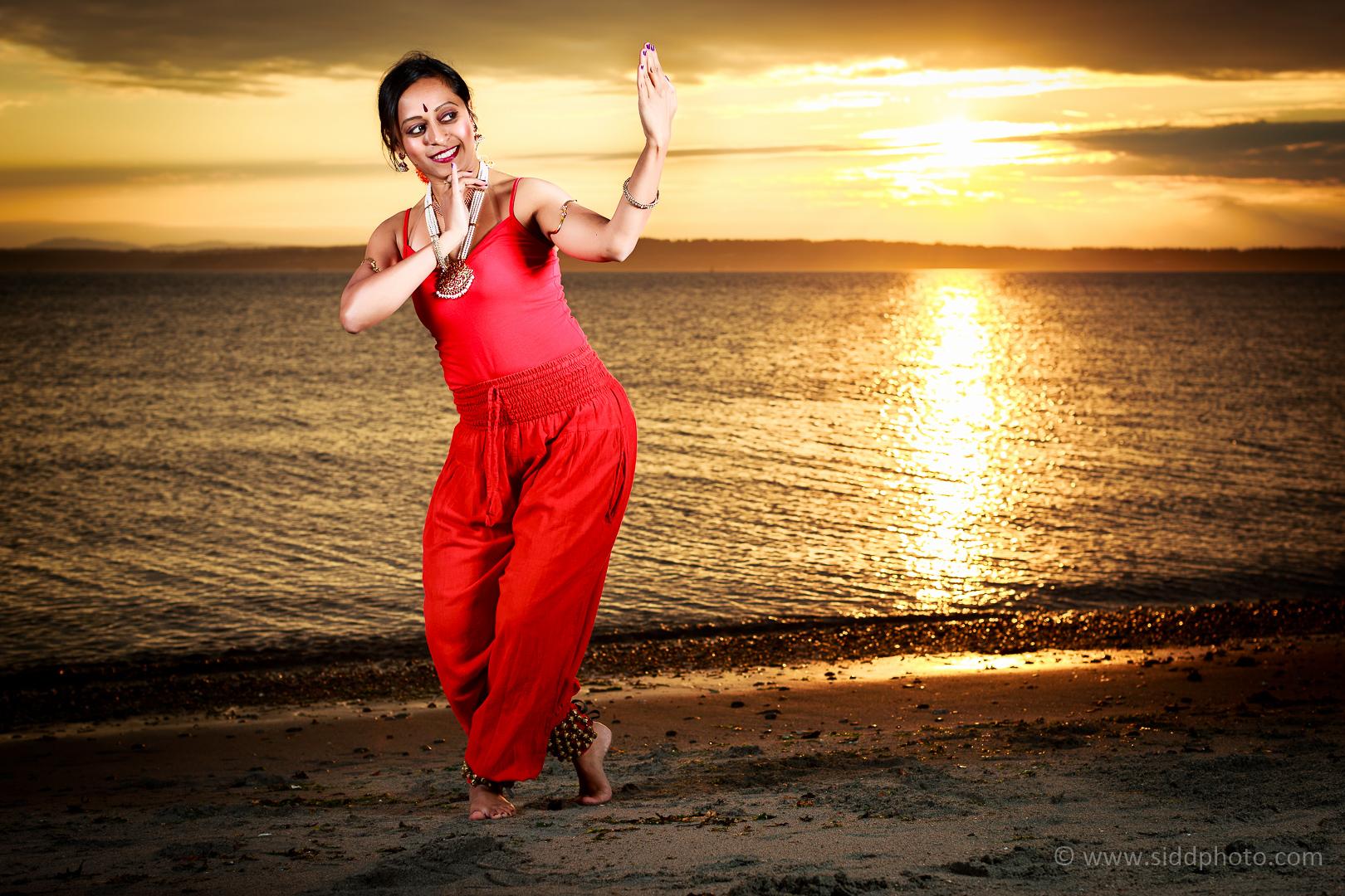 2012-09-24 - Shanthi's Photoshoot - _O5C0558-01