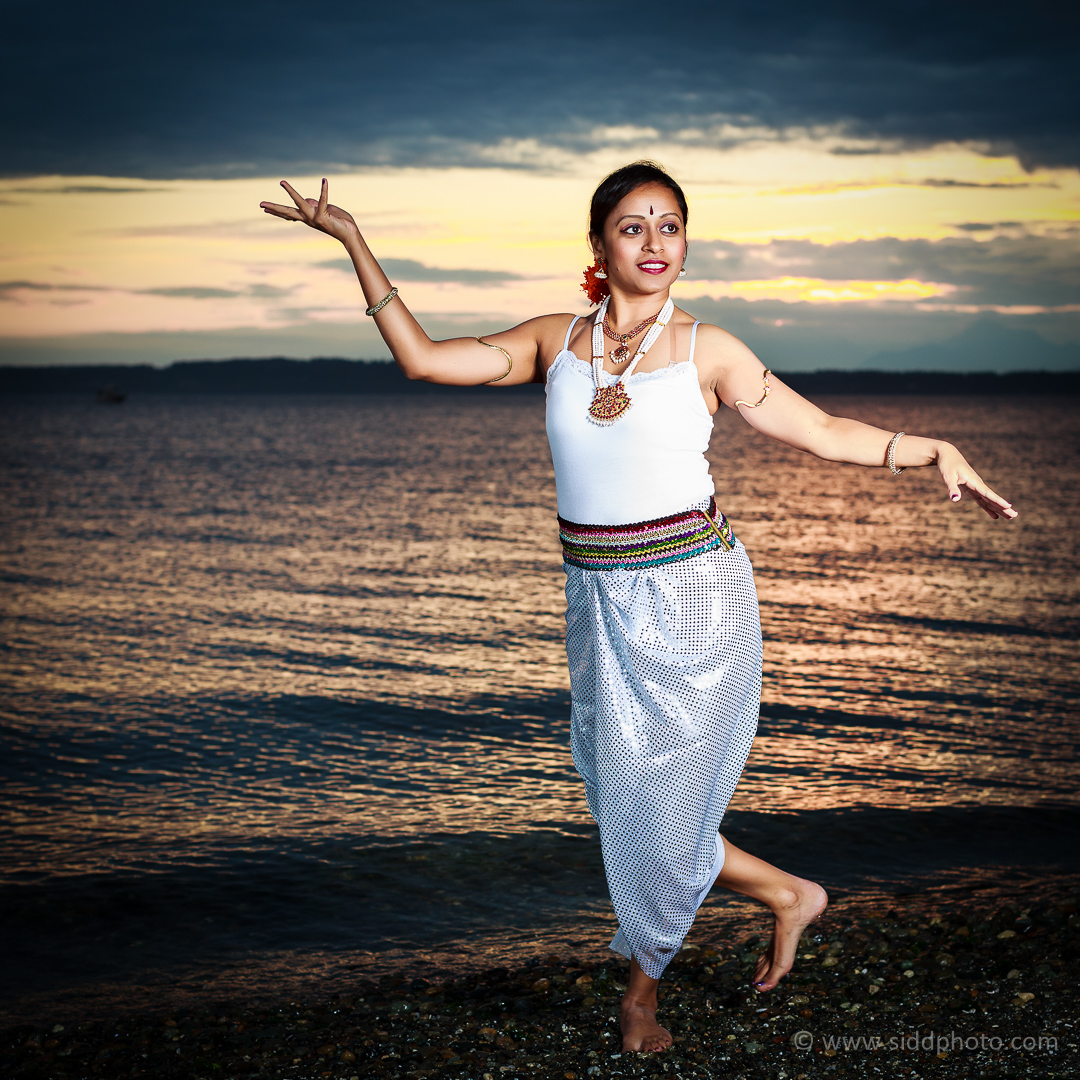 2012-09-24 - Shanthi's Photoshoot - _O5C0608-01