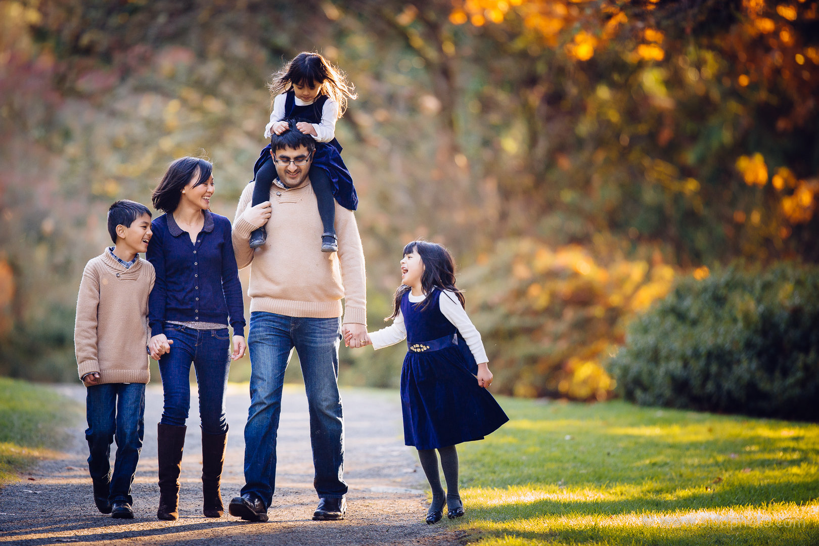 2014-11-16 - Linh Parag Family - _O5C9665-14